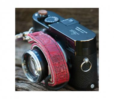Camera Leash Bison Red